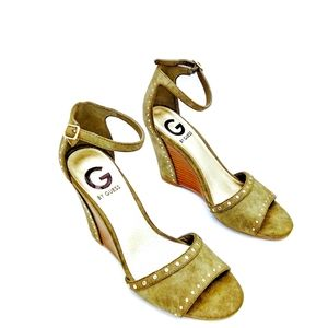 GUESS Womens 6M Olive Green Wedge Sandals